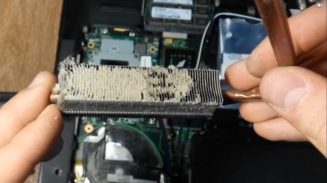 👉 Как почистить ноутбук от пыли