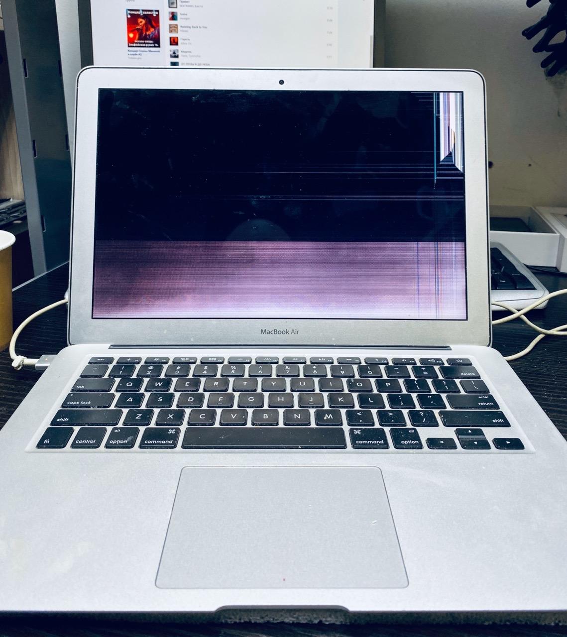 👉 Замена дисплея на MacBook
