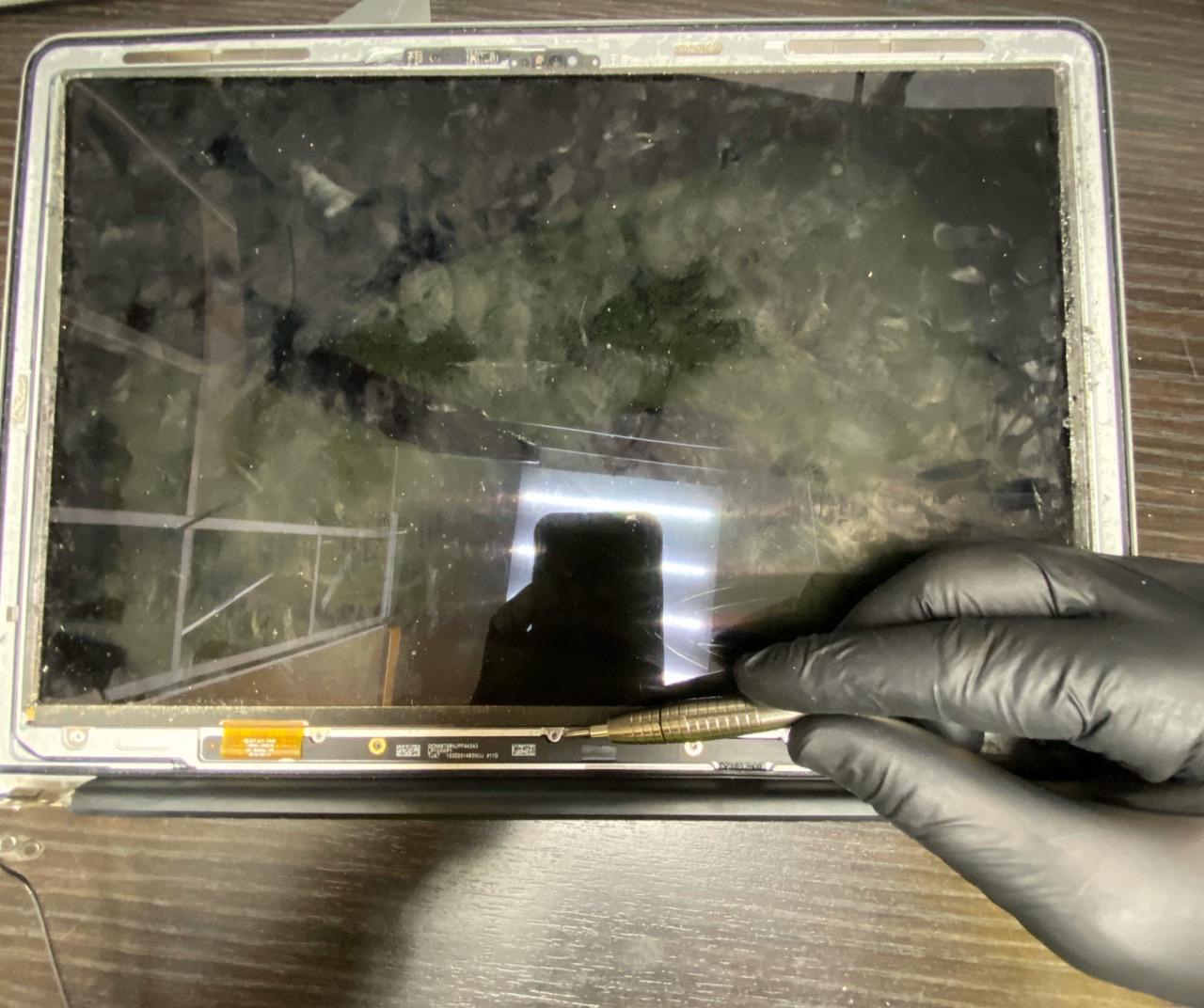 Замена шлейфа macbook, ремонт макбука